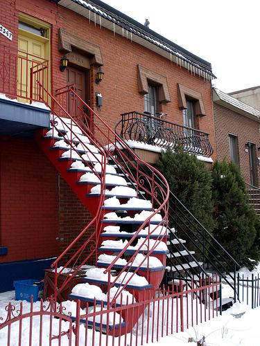 Montreal Staircases (C) comics.boumerie.com